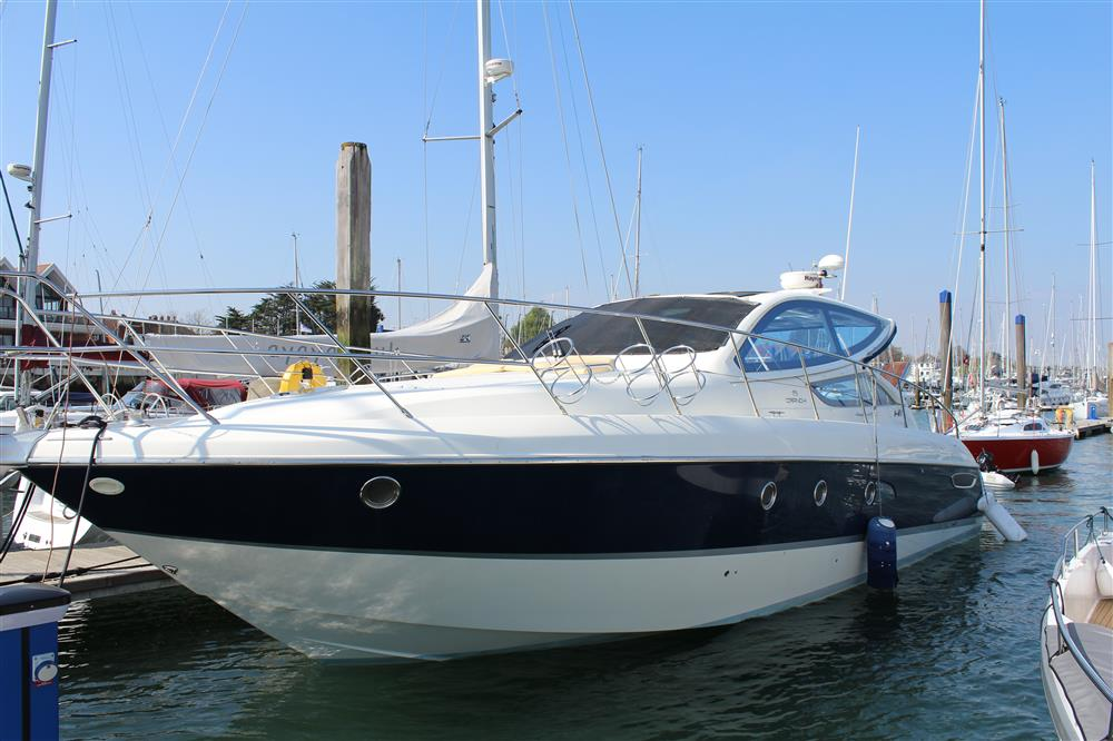 Endeavour Royal Southern Berth Hamble powerboat charters